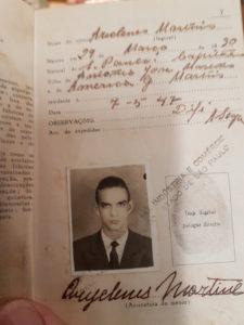 A carteira profissional de Ariclenes, o Lima Duarte, com data de