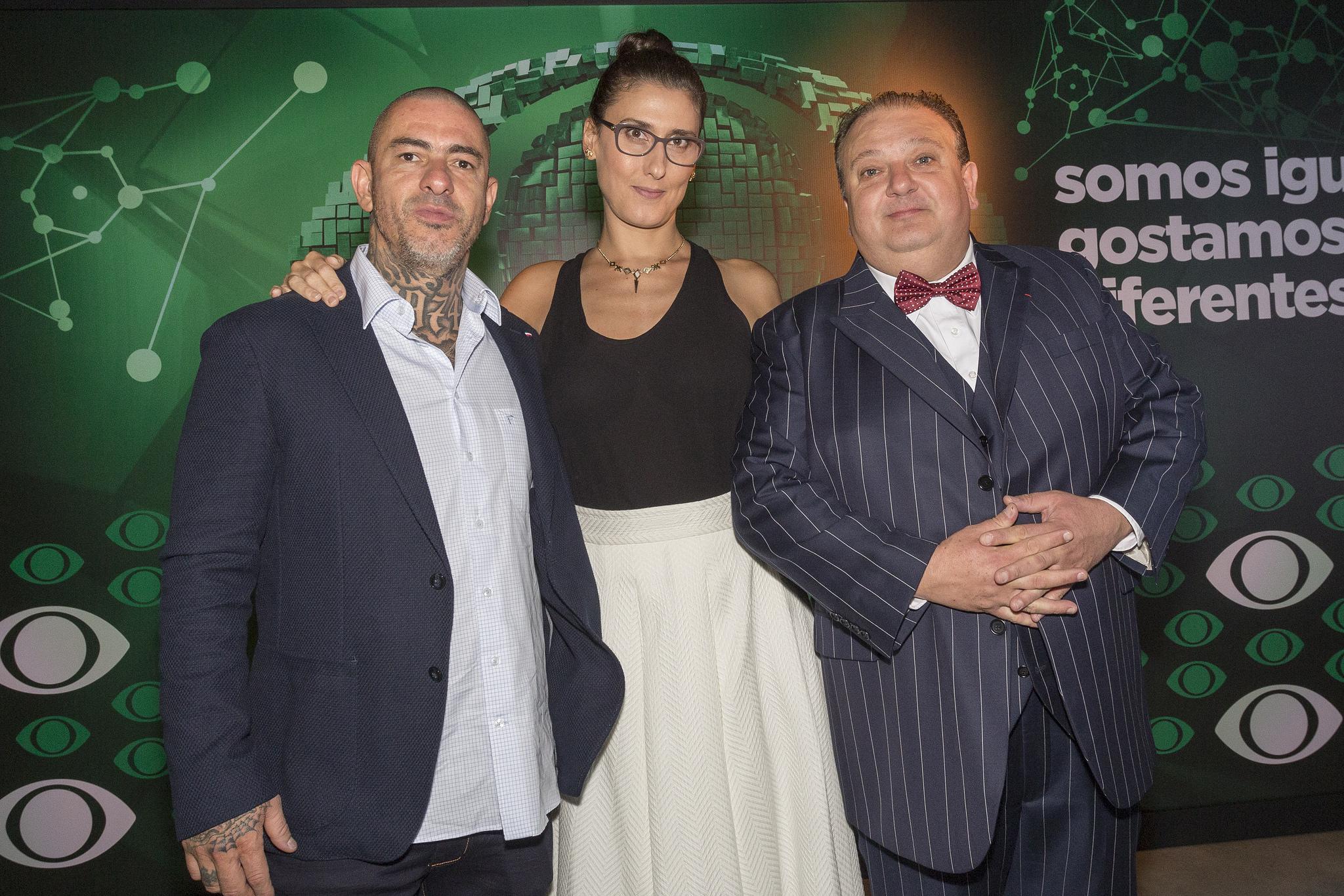 Paola, com Henrique Fogaça e Erick Jacquin, no evento de lançamento da programação 2017: as maiores estrelas da Band hoje. Foto de Kelly Fuzaro/Divulgação